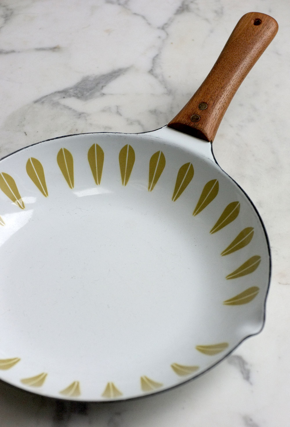 Lotus skillet by Cathrineholm