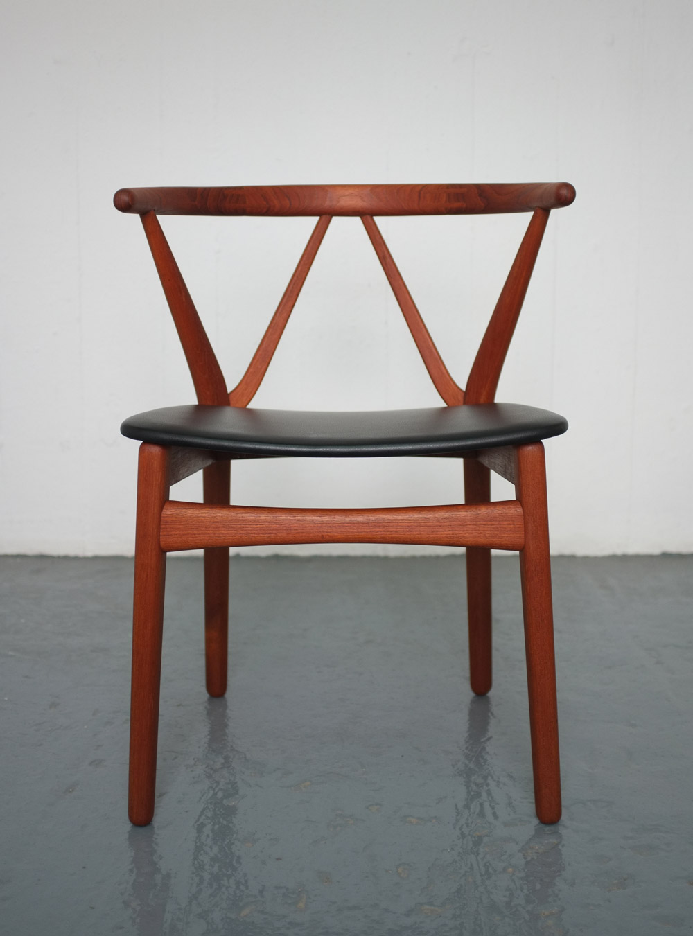 Vintage danish dining chairs by Henning Kjaernulf