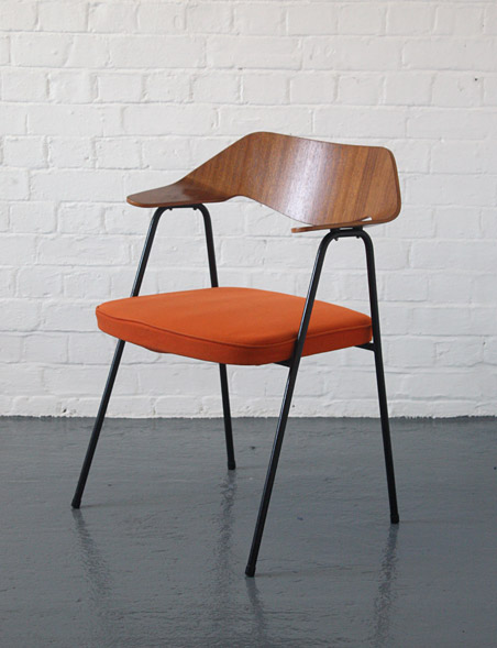 Robin Day 675 Chair Modern Room 20th Century Design