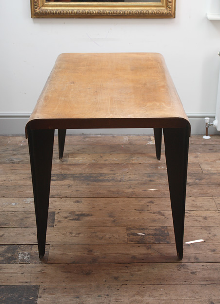 Marcel Breuer BT3 dining table for Isokon