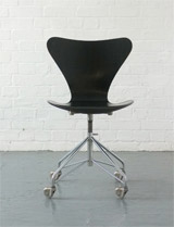 Vintage 3107 swivel desk chair by Arne Jacobsen